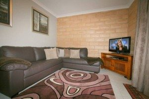 2 Bedroom Apartment – Burramy's 4