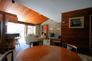 2 Bedroom Apartment – Grey Kangaroo
