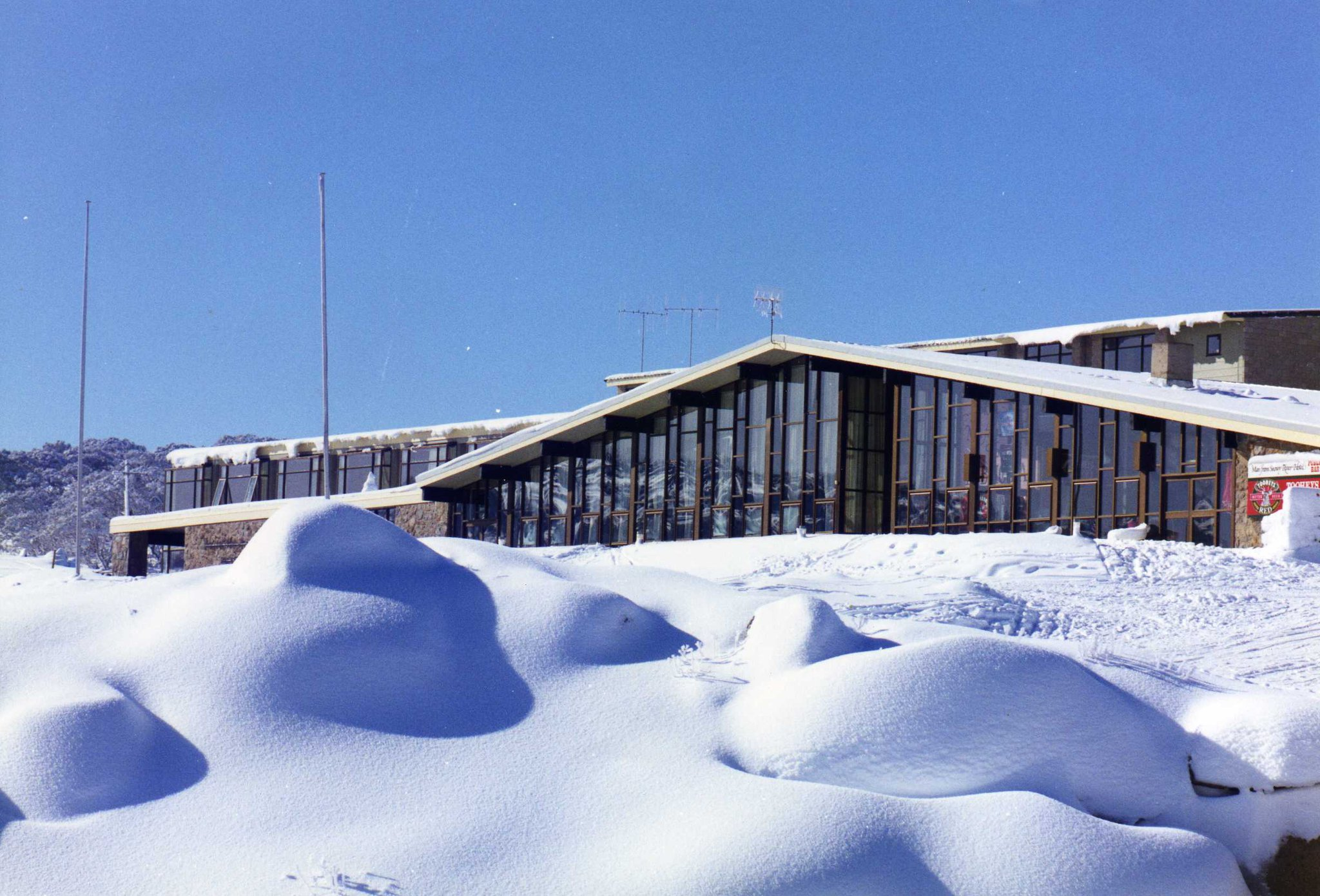 The Man From Snowy River Hotel  Perisher
